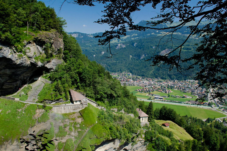 Вид с Рейхенбахского водопада, Швейцария