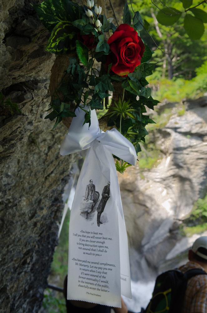 Памятник Мориарти, Рейхенбахский водопад