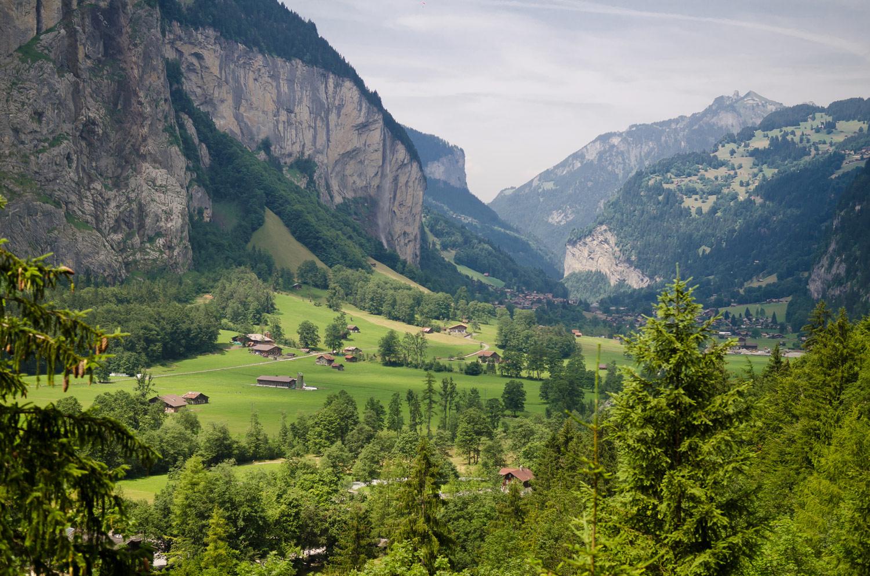 Долина водопадов летом, Лаутербрунен, Швейцария